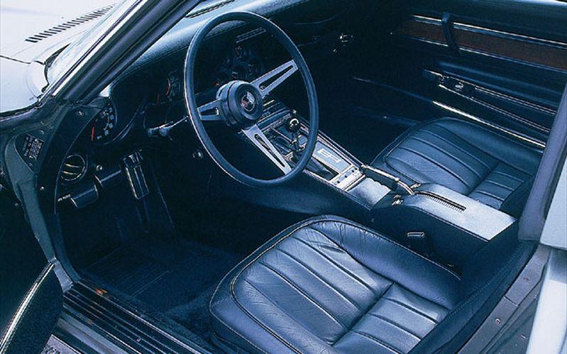 Skaffer interiørdeler til mange biler.